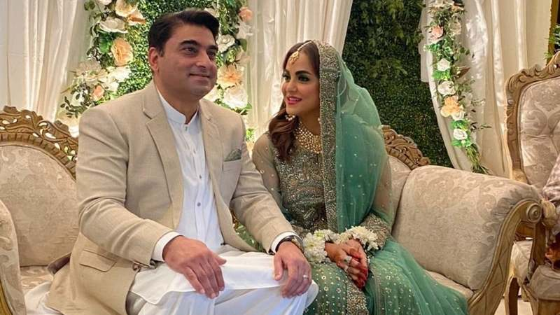 Famous TV Host Nadia Khan Confirms Her Second Marriage